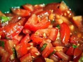 Tamatar Salad Mirch And Dhania