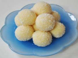 Coconut Sweet Balls