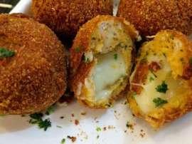 Cheese Stuffed Chicken Balls