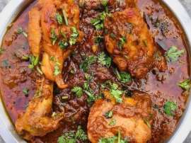 Red And White Chicken Masala