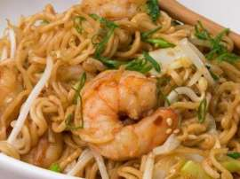 Spicy Shrimp Chow Mein