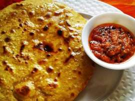 Basan Ki Roti With Chutney