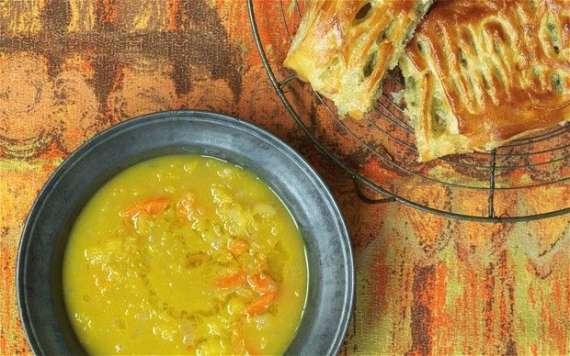 German Cheese And Peas Soup Recipe In Urdu