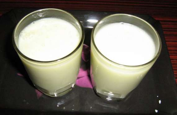 Doodh Ki Kachi Lassi Recipe In Urdu