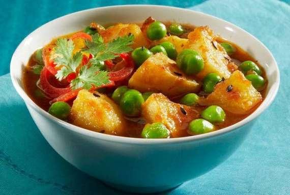 Bhunay Hue Aloo Matar Recipe In Urdu