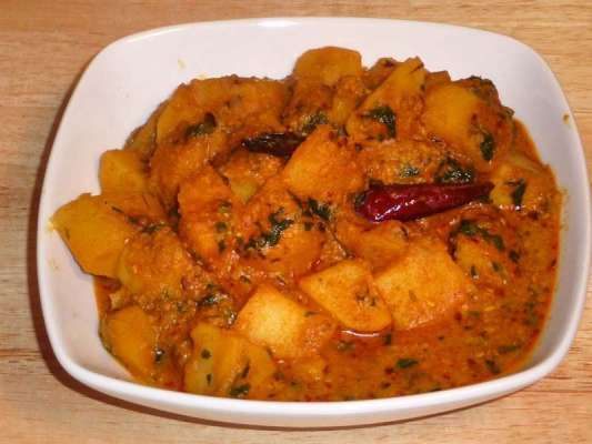 Potato Curry Recipe In Urdu
