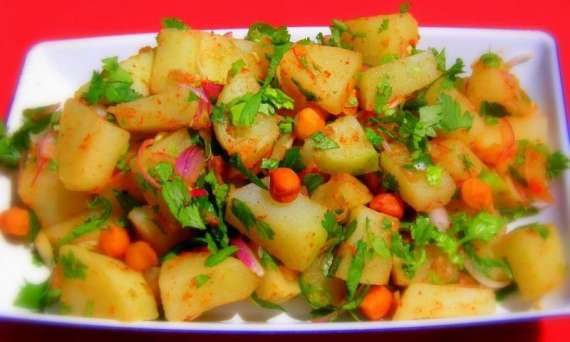 Aloo Ki Chaat Recipe In Urdu