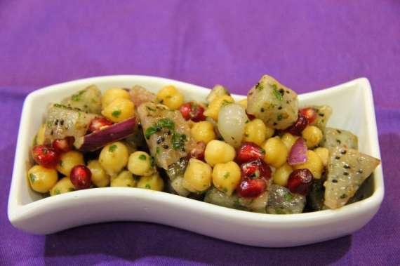 Chana Aur Fruit Chat Recipe In Urdu