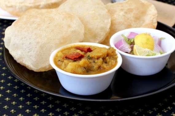 Aloo Ki Poori Recipe In Urdu