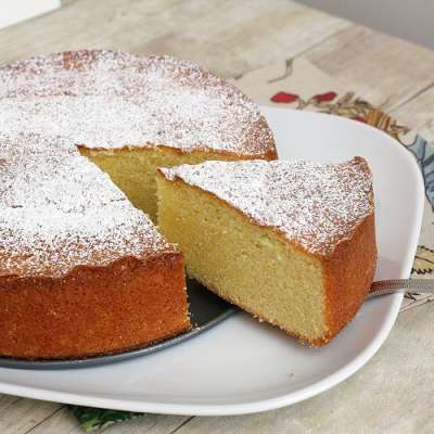 Kishmish Aur Badam Kay Cake Recipe In Urdu