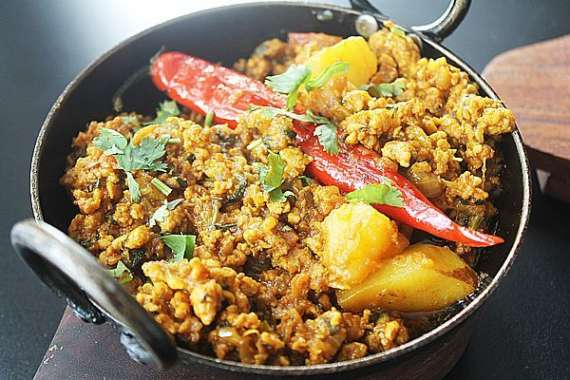 Aloo Keema Bharay Shalgam Recipe In Urdu