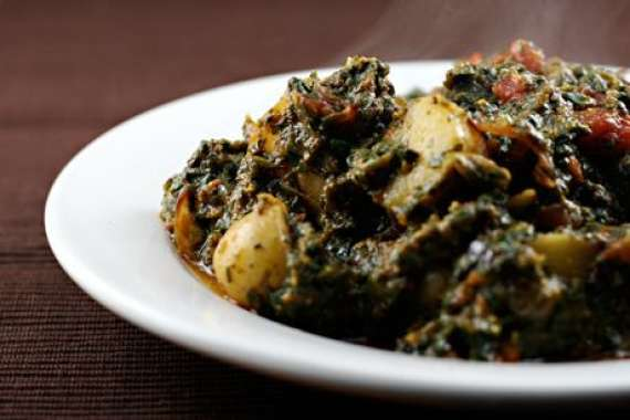Aloo Aur Saag Recipe In Urdu