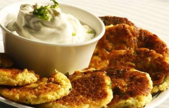 Aloo Kay Meethay Katlay Recipe In Urdu