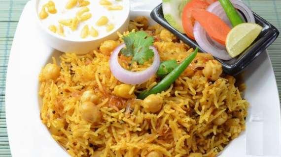 Sabaz Chany Aur Gosht Ki Biryani Recipe In Urdu