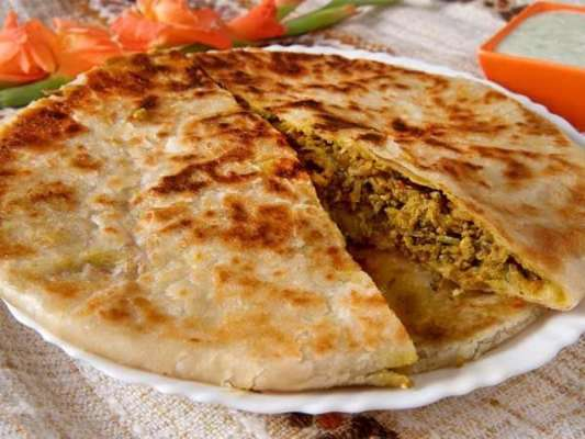 Home Made Chicken Pratha Roll Recipe In Urdu