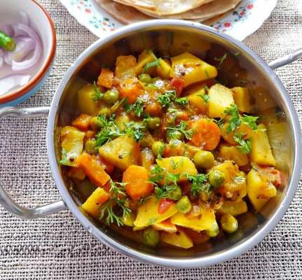 Gajar Aloo Recipe In Urdu