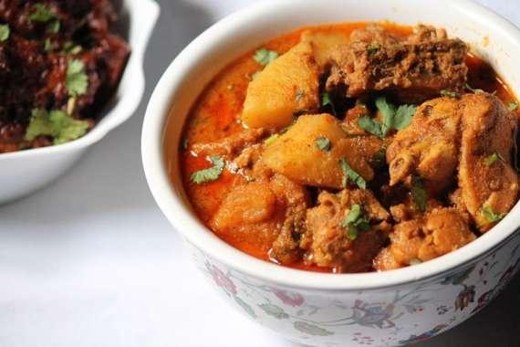 Madrasi Chicken Aloo Recipe In Urdu