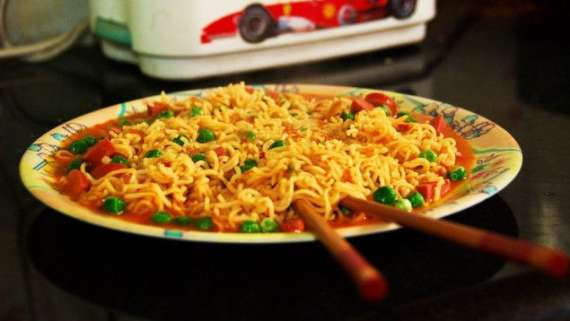 Masala Daar Noodles Recipe In Urdu