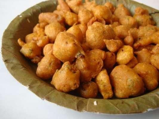Besan Ki Phulkian (Pakorian) Recipe In Urdu