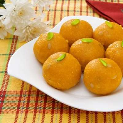 Besan Ke Laddu Recipe In Urdu