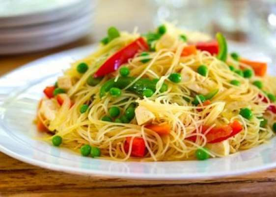 Gobhi Kay Patton Main Khubani Aur Noodles Recipe In Urdu