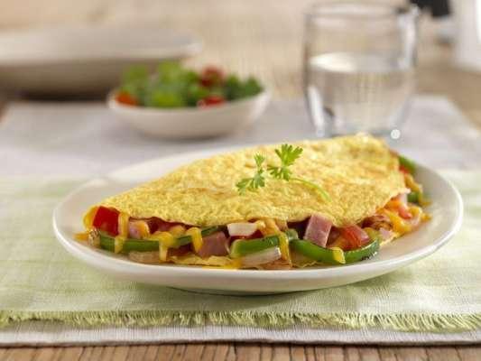 Omelette Banana Aur Khubani Wala Recipe In Urdu