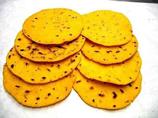Makai Ki Misalay Daar Roti Recipe In Urdu