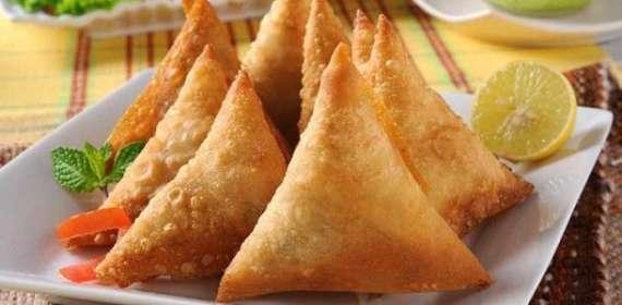 Nariyal Kay Samosay Recipe In Urdu