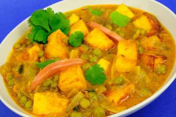 Aloo Matar Recipe In Urdu