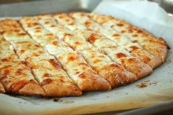 Aloo Garlic Pizza Recipe In Urdu