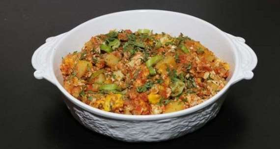 Aloo Anday Ki Bhujia Recipe In Urdu