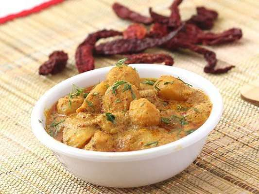 Aloo Dum (Potatoes Curry) Recipe In Urdu