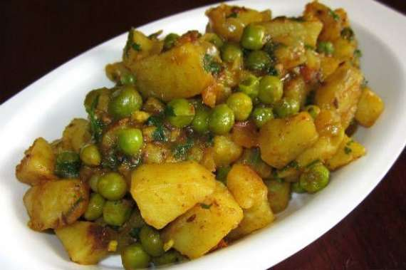 Besan Aloo Matar Recipe In Urdu