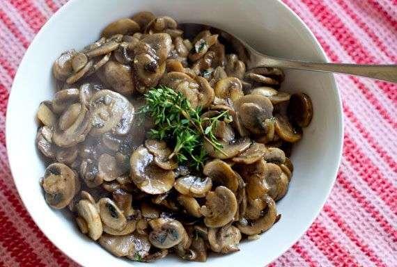 Thyme Lemon & Garlic Mushrooms Recipe In Urdu
