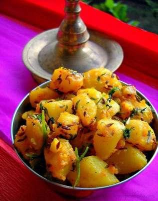 Laziz Aloo Recipe In Urdu