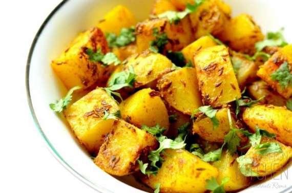 Aloo Dum Bengali Recipe In Urdu