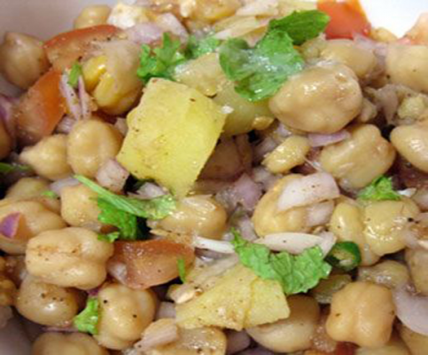Kela Aur Chana Chaat  Recipe In Urdu