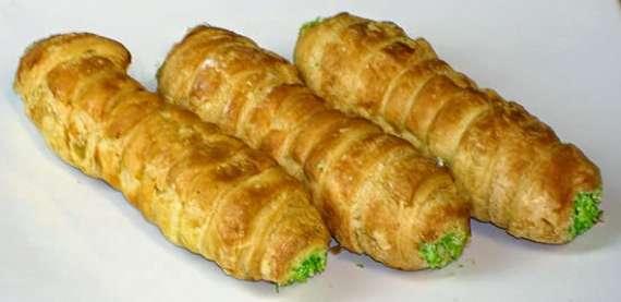 Machli Kay Bharay Howay Roll Recipe In Urdu
