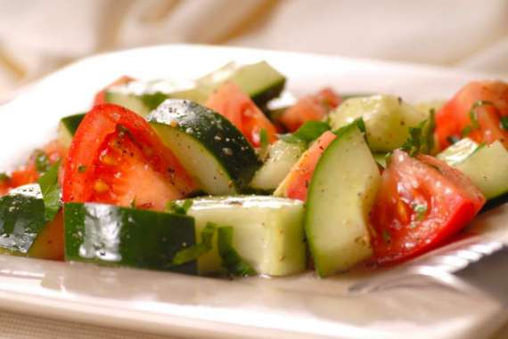 Paylz And Tomato Salad Recipe In Urdu