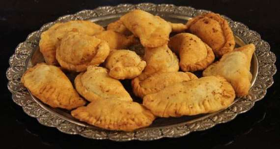 Meethay Samosay Recipe In Urdu