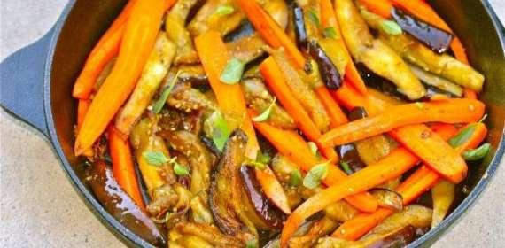 Baigan Aur Gajray Recipe In Urdu