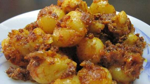 Jhutput Shahi Aloo Recipe In Urdu