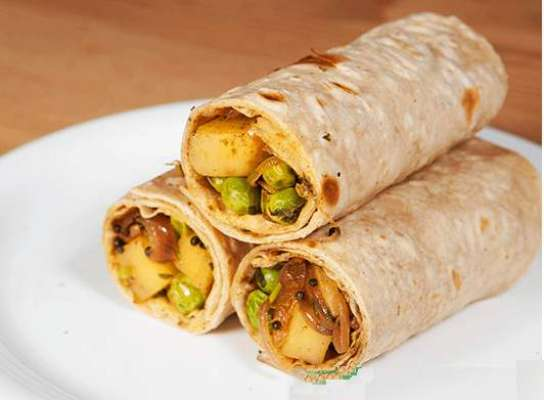 Aalo Aur Mattar Kay Roll Recipe In Urdu
