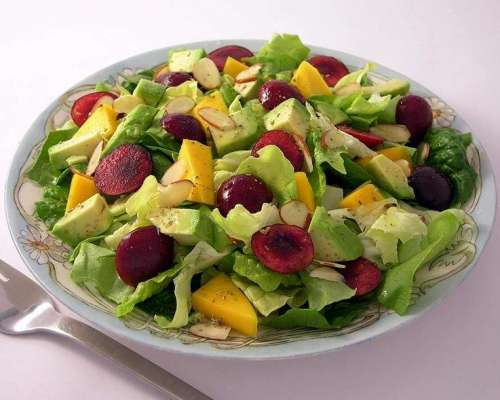 Mango Aur Cherry Salad Recipe In Urdu