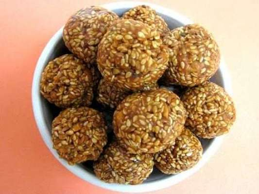 Khajoor Ke Ladoo Recipe In Urdu