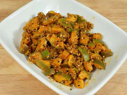 Aam Ka Achar - Mango Pickle Recipe In Urdu