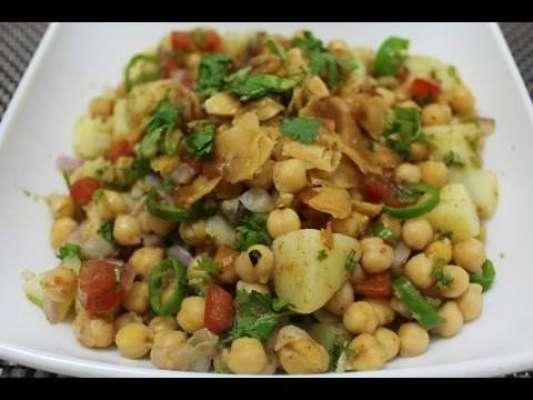 Memoni Khattay Aalo Chaat Recipe In Urdu
