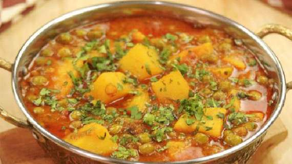 Mughlai Aloo Matar Recipe In Urdu