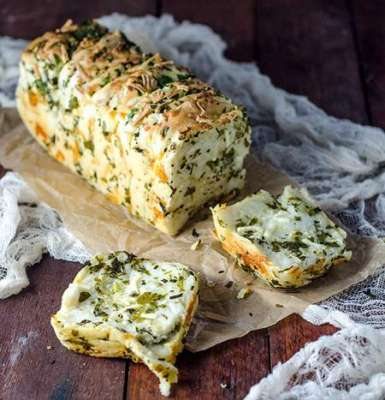 Cheesy Garlic Herb Bread Recipe In Urdu