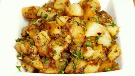 Chatpate Aloo Recipe In Urdu